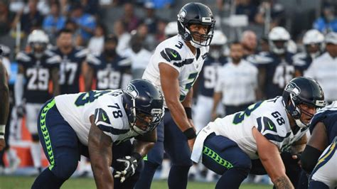seahawks duane brown  packers simulated snap counts