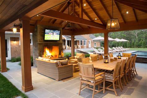 An Outdoor Sports Bar In East Hampton Backyard Curbed
