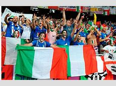 Italy fans turn their back on the team