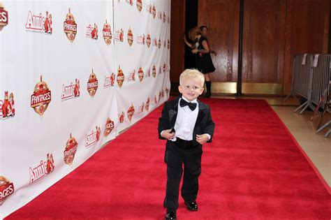 Hollywood Red Carpet Experience  Annie On Tour! Youtube