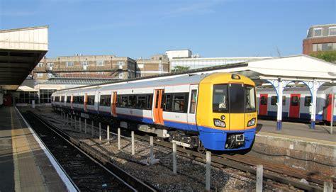 Filebritish Rail Class 378 Train In Richmond Station