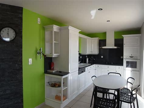 peinture mur cuisine tendance cuisine peindre idale en cuisine cette peinture laque