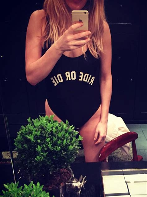 Ride or Die! Ellie Goulding shows off her assets in ...
