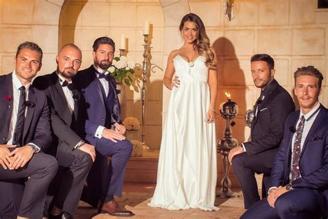 Die Bachelorette 2017: Eine Trauung und fünf Kavaliere