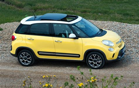 Fiat 500l Cost by Fiat 500l Hatchback 2012 Running Costs Parkers
