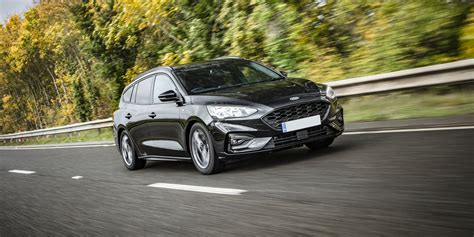 ford focus estate review carwow