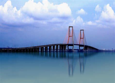 suramadu bridge images  detail madura indonesia