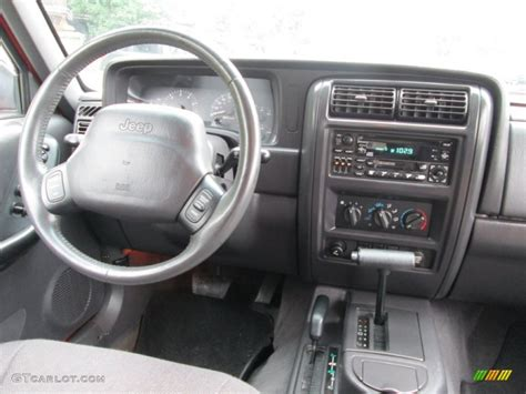 jeep cherokee dashboard 2000 jeep cherokee classic 4x4 agate black dashboard photo