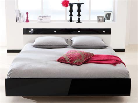 lit noir blanc laqué 140x190cm