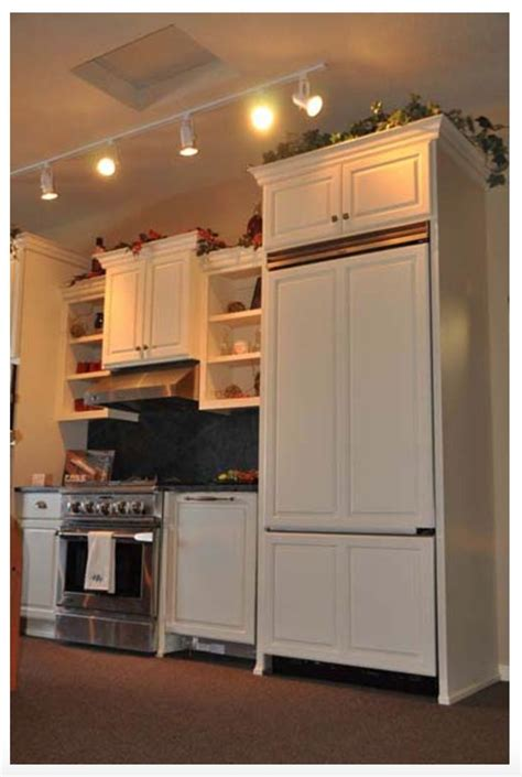 pictures of kitchens with cabinets 13 best kitchen cabinets images on dressers 9118