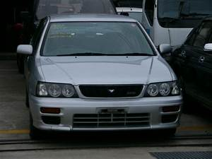 1999 Nissan Bluebird Pictures