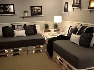 Sitzgelegenheit Aus Paletten : die besten 20 sofa aus palletten ideen auf pinterest holzpalette couch palettencouchkissen ~ Sanjose-hotels-ca.com Haus und Dekorationen