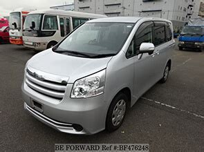 Nissan Serena Backgrounds by Toyota Noah Vs Nissan Serena Comparison Review Be Forward