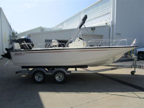 Boston Whaler Boats For Sale Indiana by 2018 New Boston Whaler 190 Montauk190 Montauk Center
