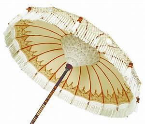 Parasol Maison Du Monde : gold nirvana sun umbrella by indian garden company ~ Preciouscoupons.com Idées de Décoration