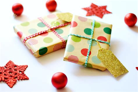 4 kraft paper christmas gift wrap ideas a touch of teal