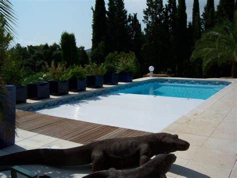 prix piscine coque avec volet roulant le volet roulant immerg 233 piscine coque avec volet