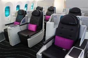 787 Dreamliner Aircraft Previewed Ahead Of Singapore ...
