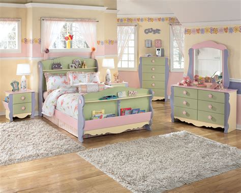Dollhouse Bedroom Furniture by Doll House 4pc Bedroom Set With Bed