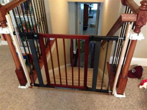 Baby Gate For Stairs With Banister And Wall by Black And Baby Gates For Stairs With No Walls Metal