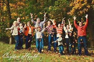 20 Fun and Creative Family Photo Ideas - Hative