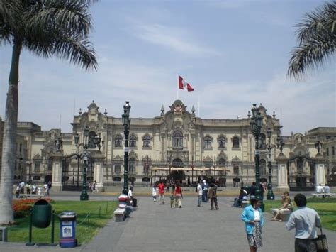 presidential palace lima photo