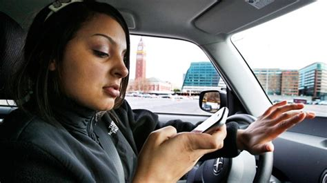 is it bad to use your phone while charging report 60 of drivers still use cellphones while driving