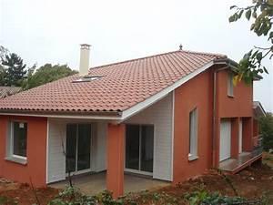 Maison sur un terrain a forte pente classique facade for Good maison en pente forte 8 construction maison lyon construction dune maison