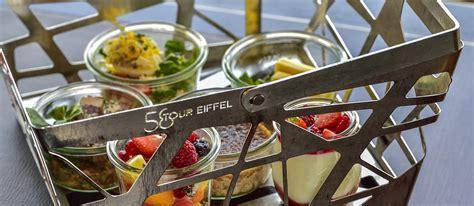 déjeuner au 1er étage de la tour eiffel restaurant 58
