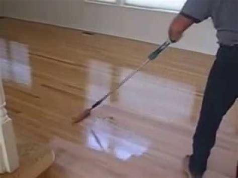 hardwood floors applying based polyurethane