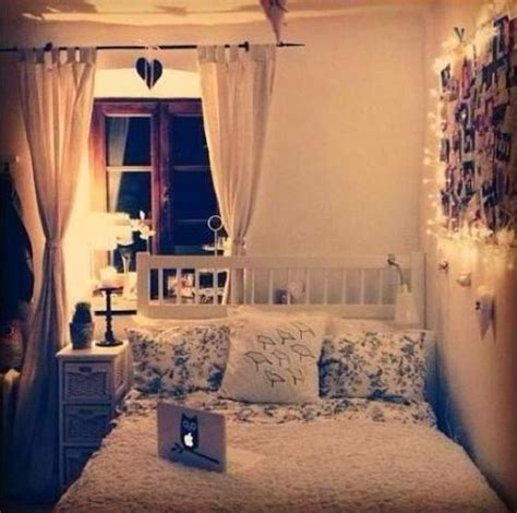 Cute Small Bedroom  College  Pinterest  Photo Walls