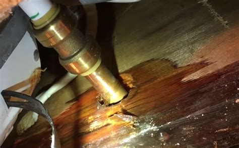 Repair Pipe by How To Repair Pinhole Leaks In Copper Pipe Without