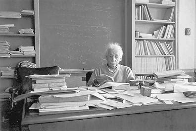 scrivania einstein missing typewriter of the moment albert einstein