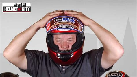 how to size motocross properly sizing a motorcycle helmet youtube