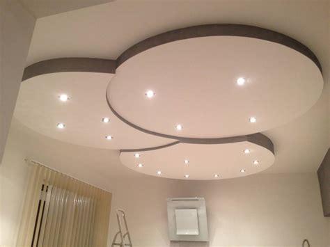 deco plafond chambre plafond placoplatre modèles simple moderne decoration