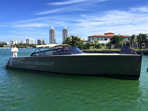 Miami Boat Show Vip Lounge by Yachts Miami Delivers Superyachts And Vip Luxury