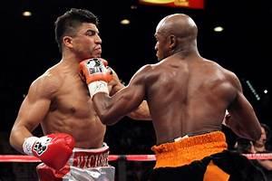 Mayweather KOs Ortiz - World boxing - Boxing news ...