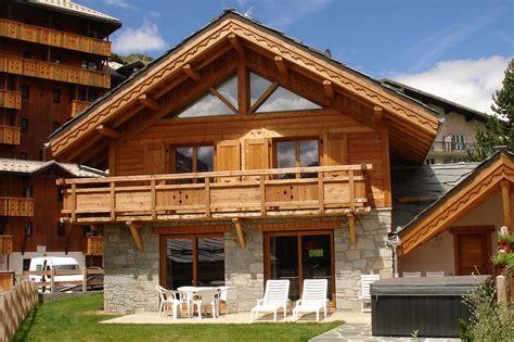 cuisine chalet bois chalet faverot les deux alpes hotel la etoile