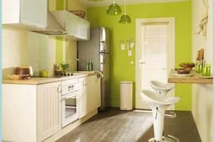 deco cuisine en longueur exemples d39amenagements With cuisine fermee en longueur
