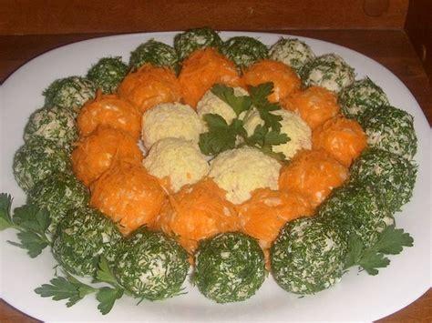 Pārsteidziet savus viesus ar salātu bumbām