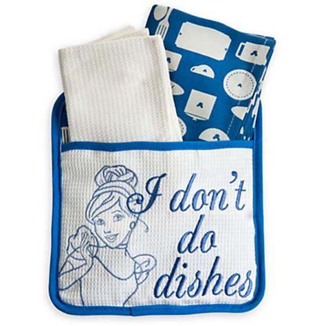 disney kitchen towels your wdw disney kitchen towel potholder set