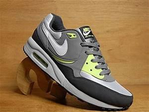 Nike Air Max Light Neon