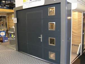 les portes de garage sectionnelles avec portillon direct With porte de garage sectionnelle jumelé avec porte sécurité
