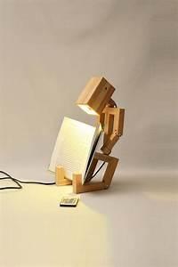 wood-art-stickman-desk-lamp-and-book-stands