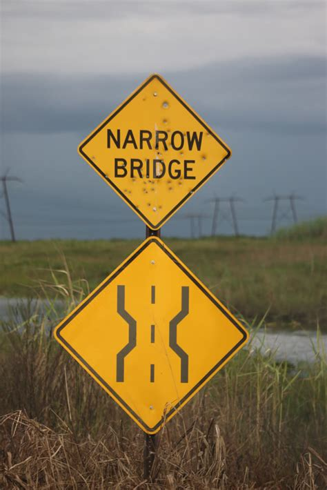 Narrow Bridge Sign: What Does it Mean?