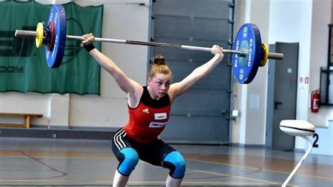 Svarcēlāja Ivanova kļūst par Eiropas U-17 čempioni - Spēka sports - Sportacentrs.com