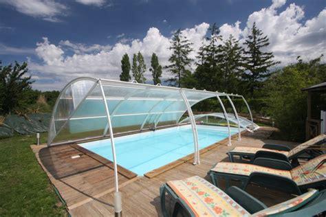 table et chambre d hote gites chambres hotes piscine chauffee couverte marais poitevin
