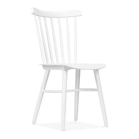 chaise blanche bois chaise classique blanche en bois par cult living