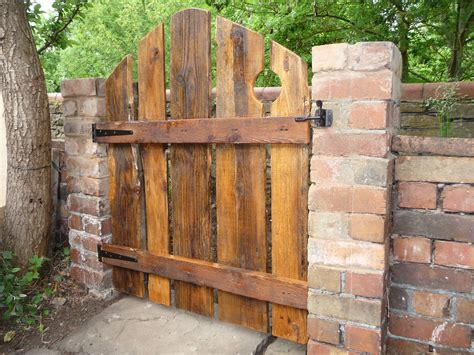 My Version Of The Reclaimed Wood Gate.