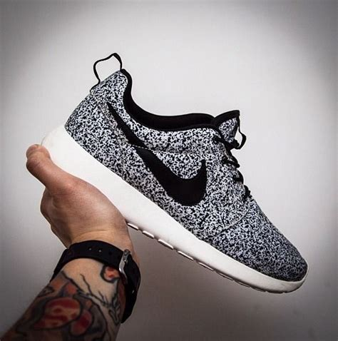 nike roshe run flower black popular style nike roshe run pattern black flowers